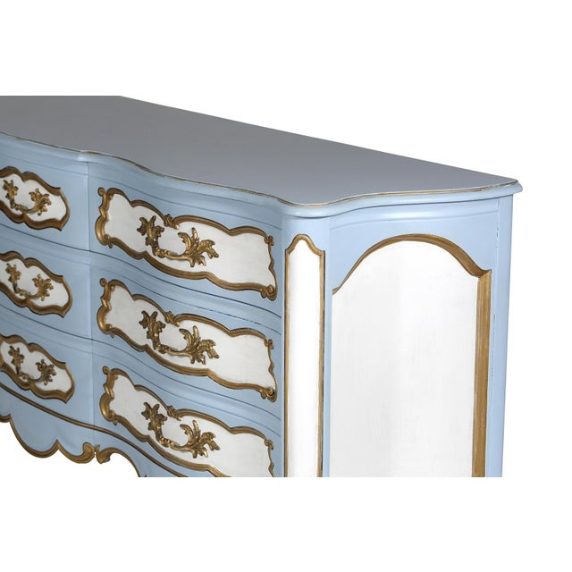 French Karges French-Style Blue & White Dresser For Sale - Image 3 of 7