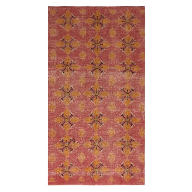 Vintage Mid-Century Pink and Gold Wool Rug-4′3″ × 7′7″ For Sale