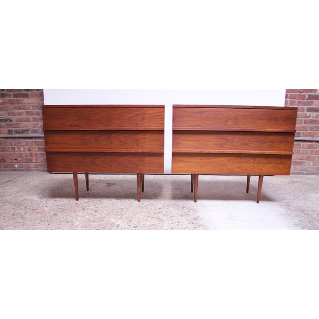 Mel Smilow Pair of Mel Smilow Three-Drawer Walnut Chests For Sale - Image 4 of 13