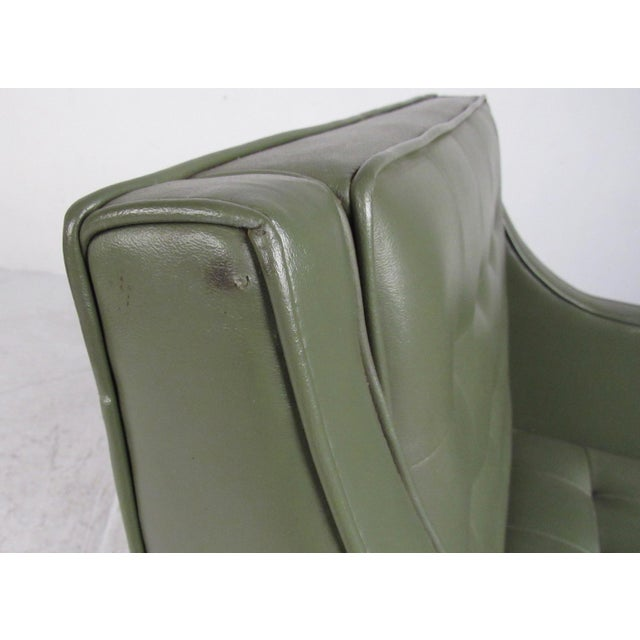 Pair Mid-Century Modern Club Chairs For Sale In New York - Image 6 of 11