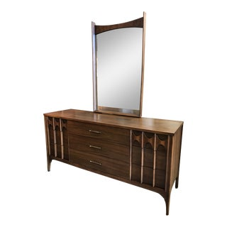 Kent Coffey Perspecta 9-Drawer Dresser W/ Mirror