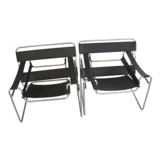20th Century Marcel Breuer Black Leather and Steel Wassily B3 Chairs - a Pair For Sale