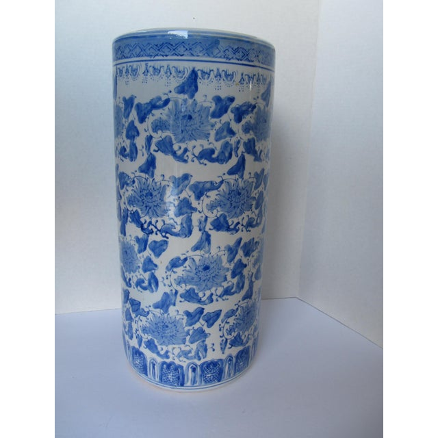 Vintage Blue & White Chinoiserie Umbrella Stand For Sale - Image 5 of 5