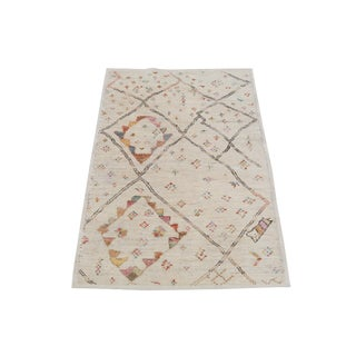 Vintage Boho Wool Moroccan Rug - 5′5″ × 8′2″ For Sale