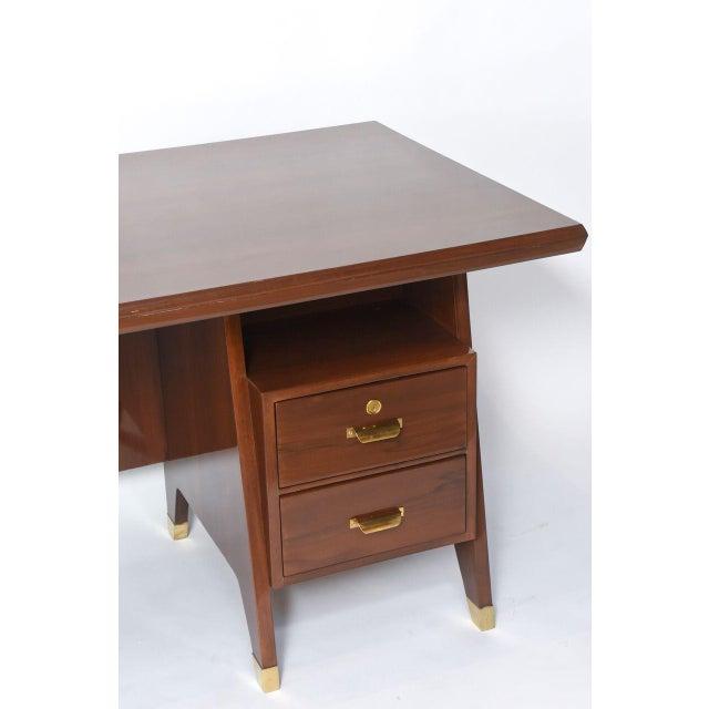 Gio Ponti Italian Modern Walnut and Brass Executive Desk, Gio Ponti For Sale - Image 4 of 9