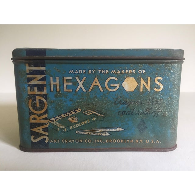 "Various Artists Vintage 1930's ""Sargent Dustless Blackboard Crayons Brooklyn Ny"" Tin Box For Sale - Image 4 of 11"