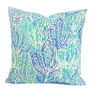"""Lilly Pulitzer for Lee Jofa Is Let's Cha Cha in Shorely Blue Pillow Cover - 20"""" X 20"""" For Sale"""