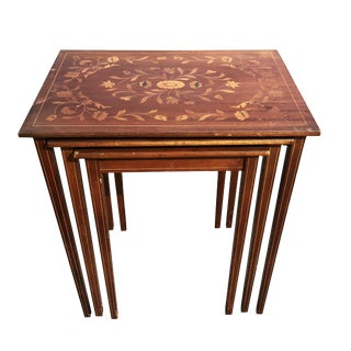20th Century Victorian Flint & Rj Horner Inlaid Walnut French Motif Nesting Tables - Set of 3 For Sale