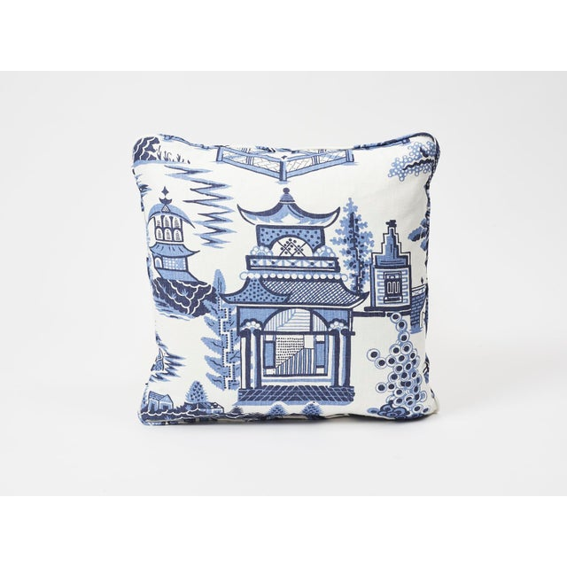 Schumacher Double-Sided Pillow in Nanjing Print For Sale In New York - Image 6 of 8