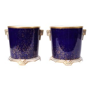 Late 19th Century Matching Pair of English Wedgwood Wine Coolers For Sale