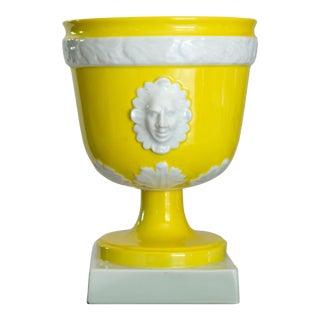 Vintage Mottahedeh Lemon and White Porcelain Pedestal Cachepot For Sale