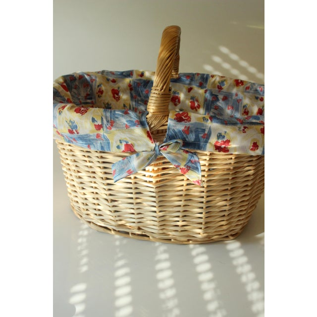 1970s Vintage Handmade Braided Wicker Shopping Basket For Sale - Image 5 of 8