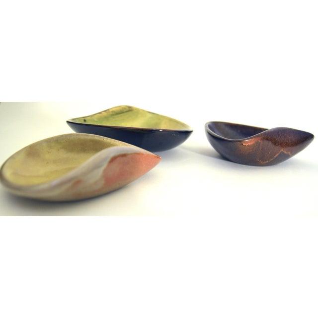 Mid 20th Century Mid Century Eugene Deutch Chicago Modernist Six Ceramic Bowls For Sale - Image 5 of 10