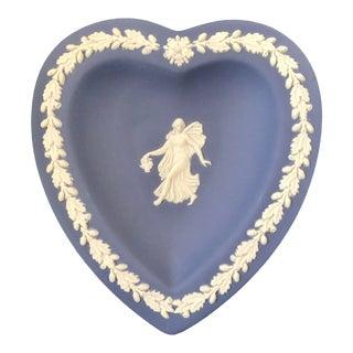 1980s Wedgwood Jasperware Blue and White England Miniature Heart Flower Girl Dish For Sale
