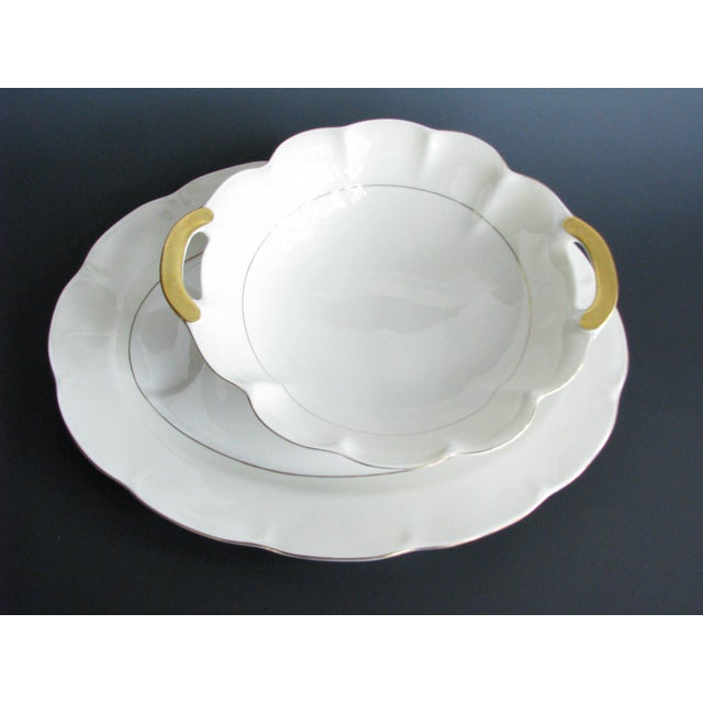 Theodore Haviland 1950s Theodore Haviland New York Leeds Platter and Concord Serving Bowl For Sale - Image 4 of 13
