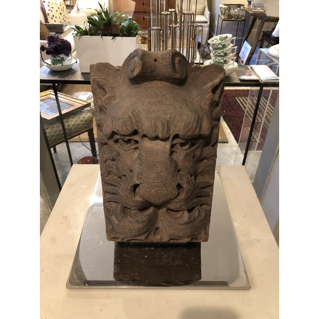 Late 19th Century Sandstone Lion Keystone With Stainless Steel Display For Sale - Image 5 of 5