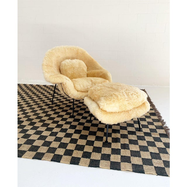 Mid 20th Century Vintage Eero Saarinen Womb Chair and Ottoman, Restored in Texas Sheepskin For Sale - Image 5 of 8