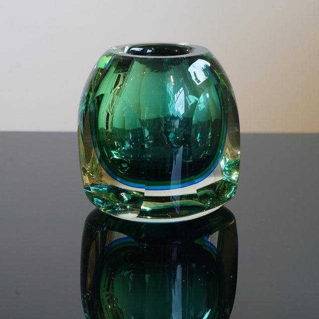 Fantastic sommerso technique in blues and greens depending on the viewing angle. Very heavy. Art glass from the 1960s or...