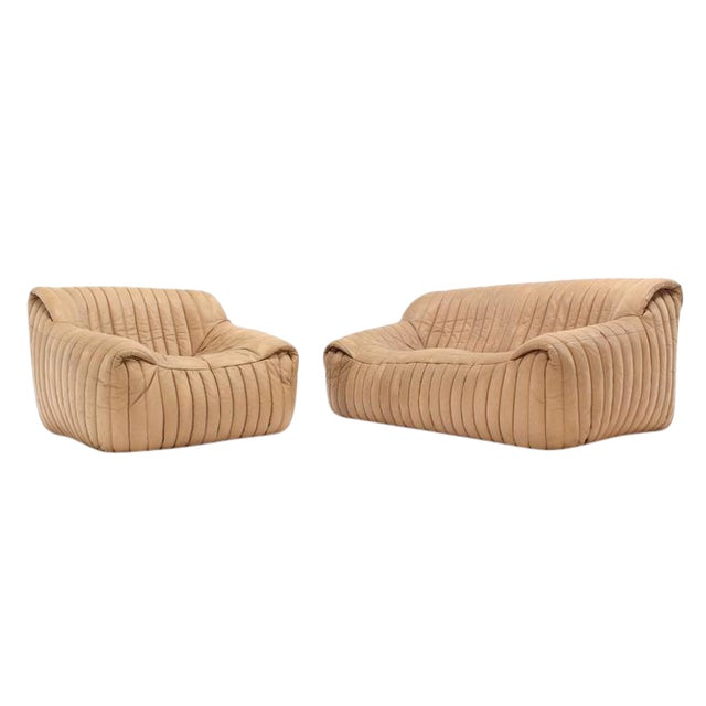 Ligne Roset Beige Ribbed Leather Loveseat and Chair For Sale