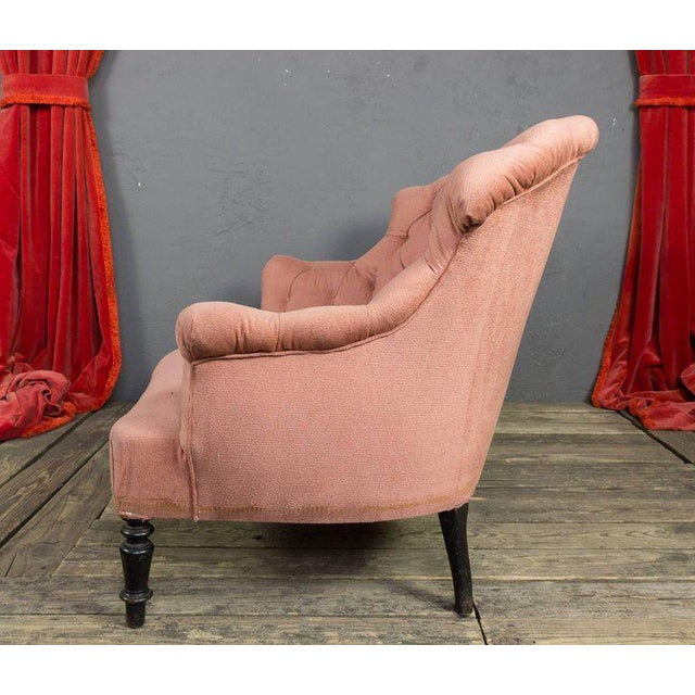 19th Century, French Pink Tufted Settee For Sale - Image 4 of 9