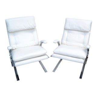 Pair of Saporiti Style Cantilever Lounge Chair Off White Bouclé Upholstery 1980 For Sale