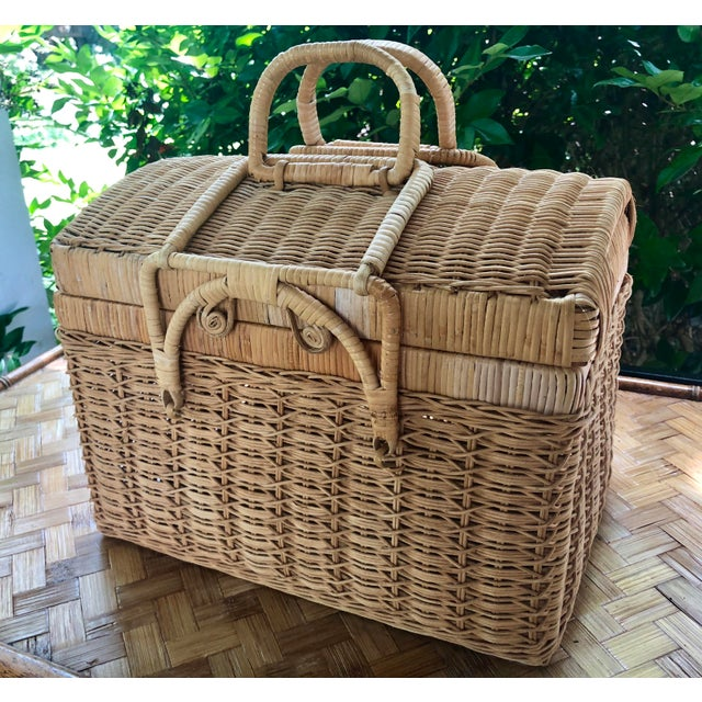 20th Century Boho Chic Natural Woven Wicker Picnic Basket For Sale - Image 11 of 11
