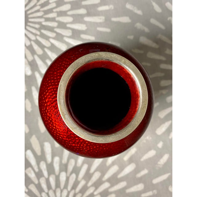 1960s 1960s Sato Pigeon Blood Cloisonné & Silver Bamboo Theme Ginbari Vase For Sale - Image 5 of 9