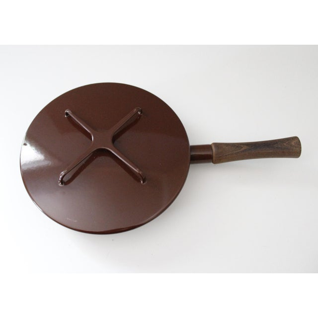 Mid-Century Modern Large Brown Dansk Kobenstyle Enamel Skillet Frying Pan With Lid Jens Quistgaard For Sale - Image 3 of 10