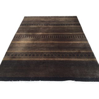Ethan Allen Brown & Black Wool Rug - 5' x 7' For Sale