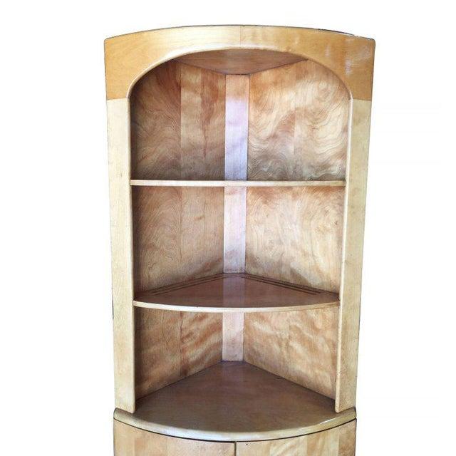 Heywood-Wakefield Blonde Streamline Maple Corner Cupboard Cabinet - Image 4 of 8