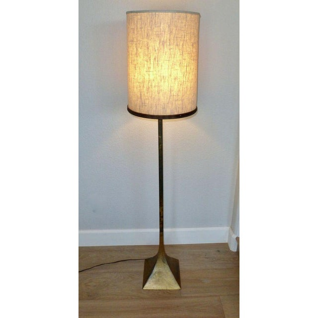 Vintage, modernist Laurel floor lamp with original shade. Structurally it is in excellent condition with all electrics in...