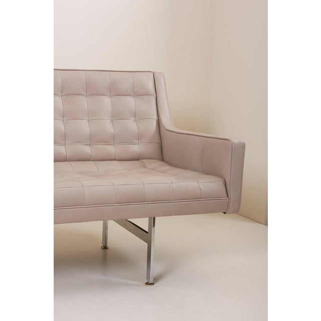 Mid-Century Modern Tufted Sofa in Grey Leather by Milo Baughman for Thayer Coggin For Sale - Image 3 of 13
