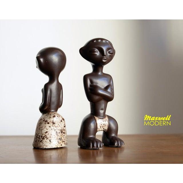 Mid-Century Modern 1950s Mid Century Howard Pierce Ceramic Tribal Couple Figurines - a Pair For Sale - Image 3 of 7