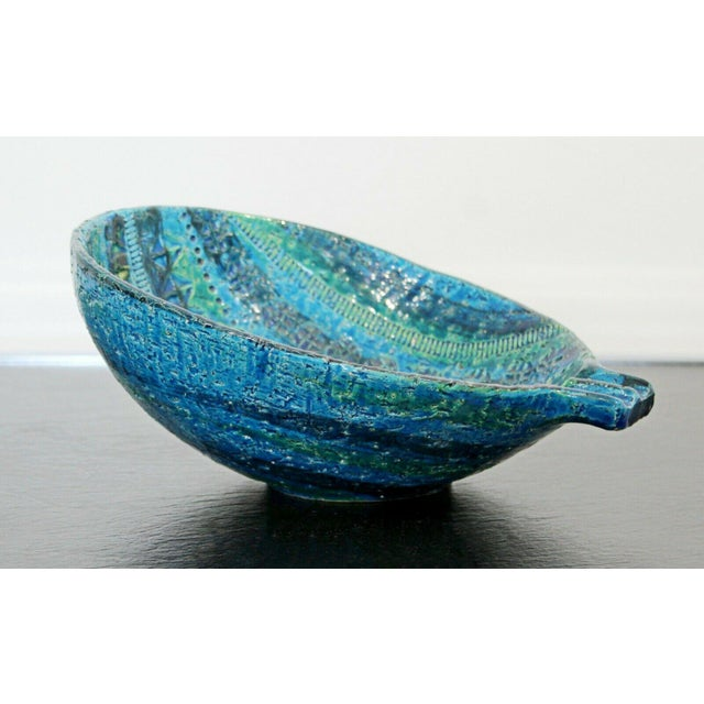 For your consideration is a magnificent, blue and green ceramic bowl, by Bitossi, made in Italy in the 1970s. In excellent...