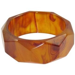 Bakelite Bracelet Bangle Root-Beer Marble Carved Faceted Design For Sale