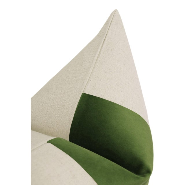 "22"" Peridot Velvet & Linen Pillows - a Pair For Sale - Image 4 of 5"