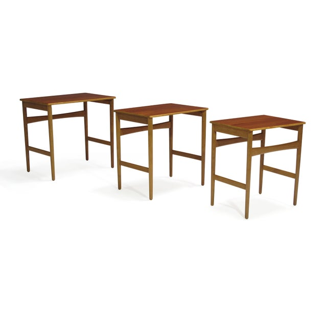 Danish Modern Hans Wegner Teak and Oak Danish Nesting Side Tables - Set of 3 For Sale - Image 3 of 11