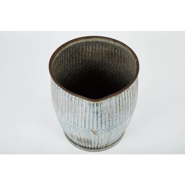 Early 20th Century 1990s English Zinc Garden Pots - a Pair For Sale - Image 5 of 10