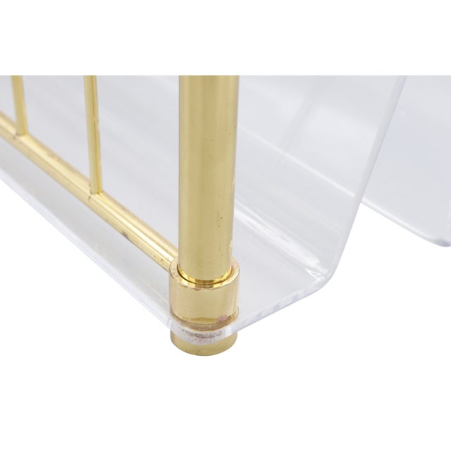 1980s Hollywood Regency Mid Century Brass and Lucite Magazine Rack For Sale In New York - Image 6 of 8