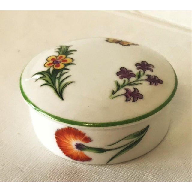 Tiffany & Co. Limoges Hand Painted Porcelain Trinket Box For Sale - Image 9 of 9