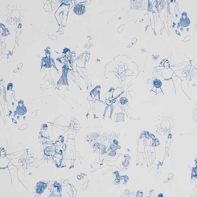 Schumacher x Peg Norris: Jackie Gendel Toile De Femmes Wallpaper in Indigo For Sale