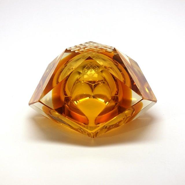 Glass 1960s Vintage Mandruzzato Murano Gold Glass Diamond Cut Block Trinket Dish For Sale - Image 7 of 8