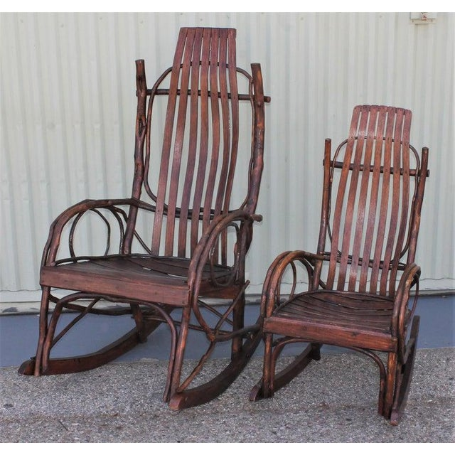 Wood Amish Bent Wood Adults and Child's Rocking Chairs - Set of 2 For Sale - Image 7 of 12