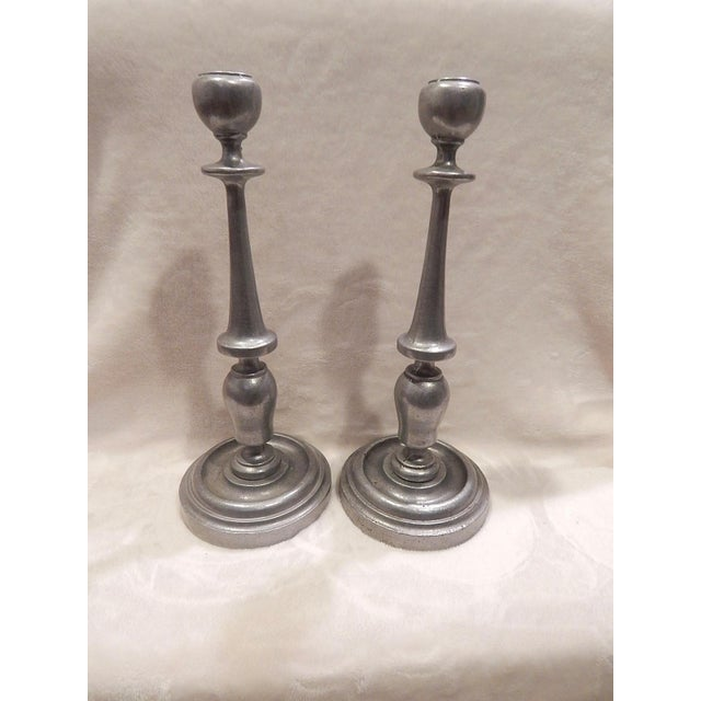 Beautiful Vintage Early American Design of Pewter Candle Sticks. They are in excellent condition and are heavy and solid....