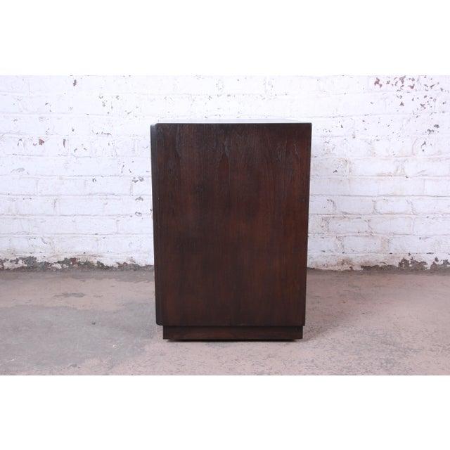 Robsjohn-Gibbings for Widdicomb Mid-Century Modern Walnut Three-Drawer Bachelor Chest For Sale - Image 11 of 13