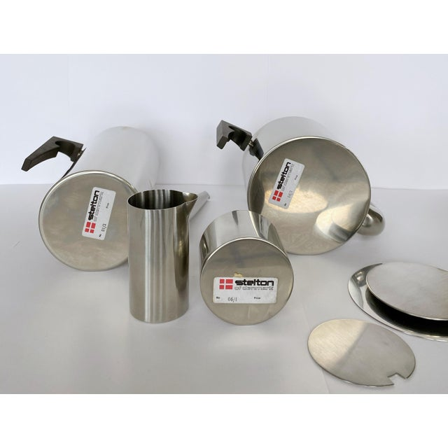 1960s 1967 Arne Jacobsen Cylinda Line for Stelton of Denmark Coffee and Tea Set - 4 Pieces For Sale - Image 5 of 9