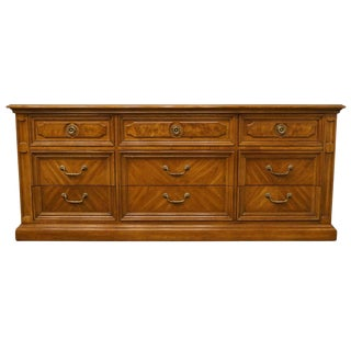 20th Century Traditional Thomasville Decorum II Bookmatched Triple Dresser For Sale