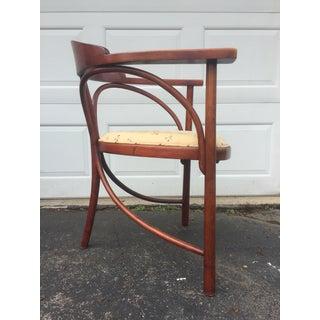 1900s Art Nouveau Thonet Three-Legged Model 81 Beech Side Chair Preview