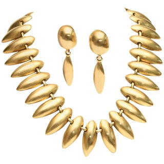 Sculptural Gold Plated Necklace & Pair of Clip on Dangle Earrings For Sale