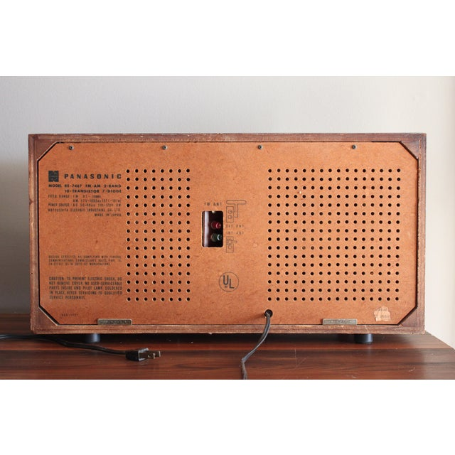 Mid-Century Modern Vintage Panasonic Solid State Amfm Transistor Radio Model #Re-7487 With Refinished Teak Cabinet For Sale - Image 3 of 10